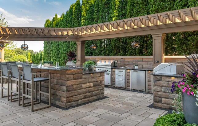 Landscaping-OUtdoor pavers- Unilock product_ Outdoor-Kitchens_5157-644x412